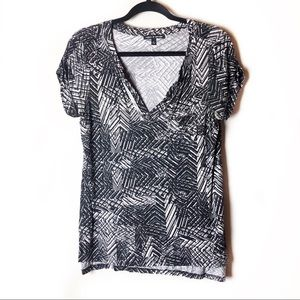 Cable & Gauge Black and White Short Sleeve Top